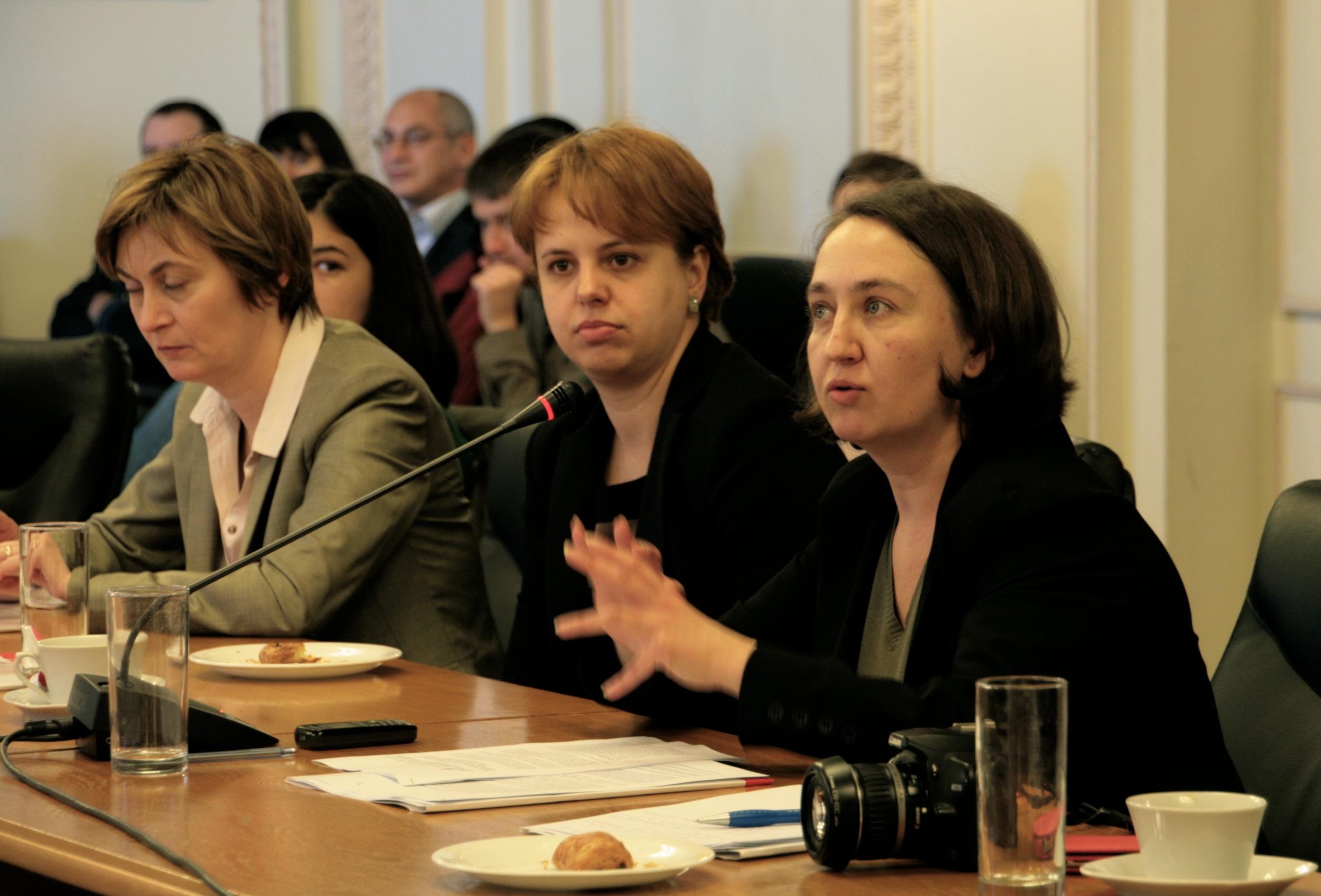 Diana Hatneanu, Nicoleta Andreescu, Apador-CH
